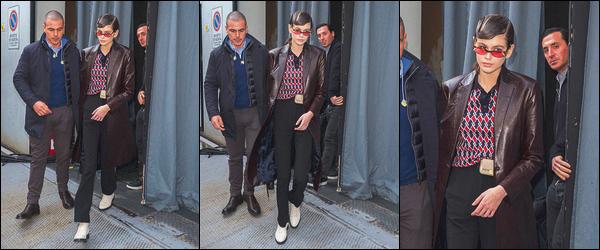 21 février 2019 : Notre beau mannequin a été aperçue après avoir défilé pour la marque Fendi, dans la ville de Milan. Elle portait un polo rouge et marron ainsi qu'un pantalon noir. Par couvrir l'ensemble, elle porte un long manteau marron en cuir. Je n'aime pas trop..