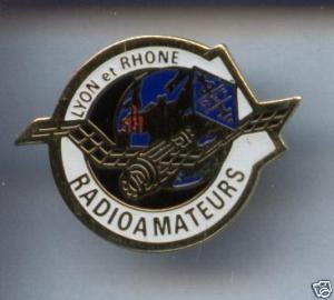UN PIN'S SPECIAL RADIOAMATEUR DE LYON ET RHÔNE