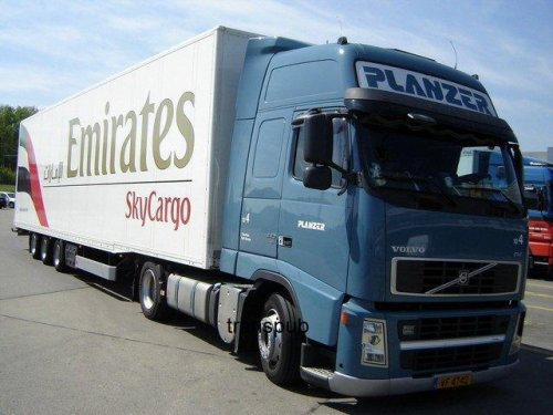 "TRS PLANZER  ( pub compagnie aeriene ""emirates skycargo "" )"