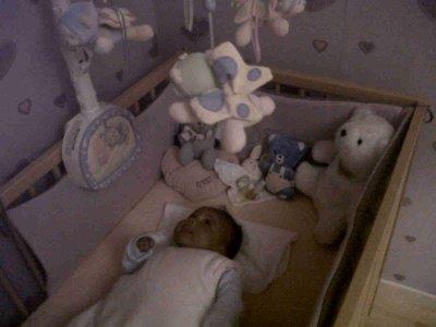 bb kelly dans son lit !!!!!!!!!