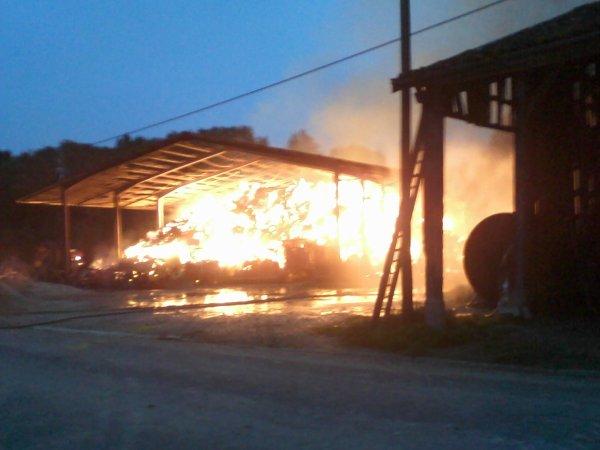 le 10 septembre 2010 feu de bâtiment agricole