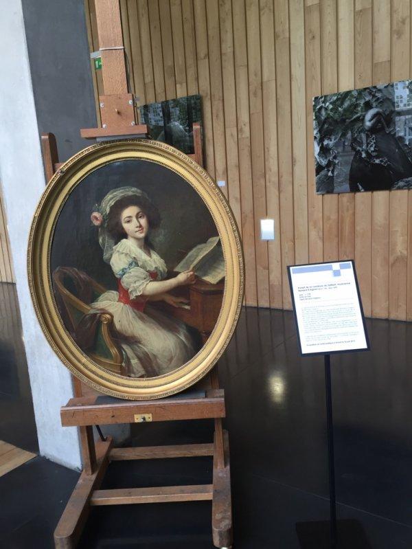 portrait de la contesse du Saillant, musicienne de Bernard d'Agesci