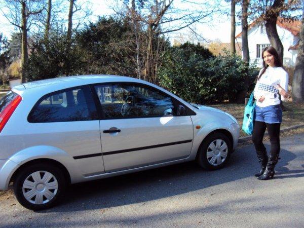 Magiccccccccc le bonheur nous sourit Doudou a eu son Permiis et une voiture trop fresh on ne pouvaient pas réver mieux Je suis trooop fiere loveeeeee !!!  8-p  8-p