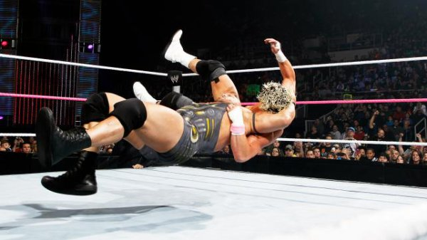 WWE Main Event 24/10/2012