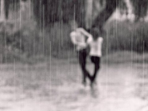 «On passe la moitié de sa vie à attendre ceux qu'on aimera et l'autre moitié à quitter ceux qu'on aime» – Victor Hugo