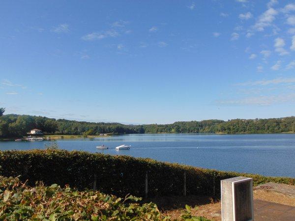 l'immense lac artificiel de Saint-Etienne-Cantalès