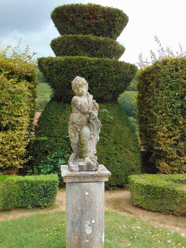 statues du jardin du château.
