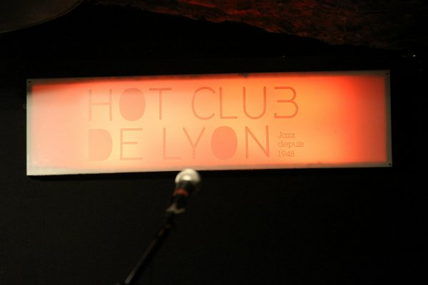 Visite au Hot-CLub de Lyon