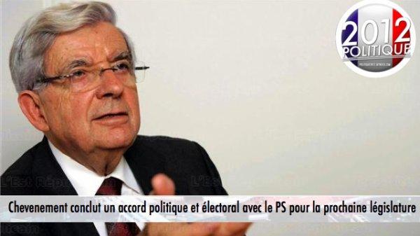 Chevenement soutient Hollande en l'échange d'un accord pour les législatives