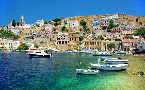 Helenite et Luciite en Grèce