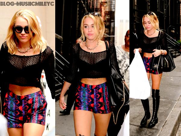 Le 21 Juillet 2012 Miley c'est rendu sur le tournage du film de son boyfriend à Philadelphie