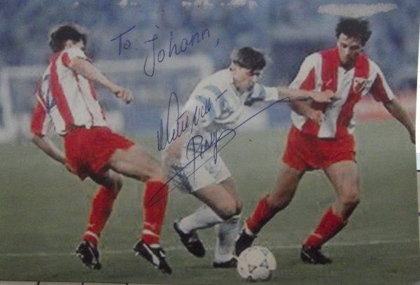 ancien joueur de football yougoslave