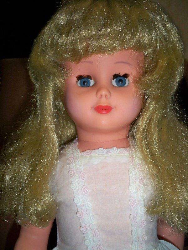 Unica blonde est adoptée