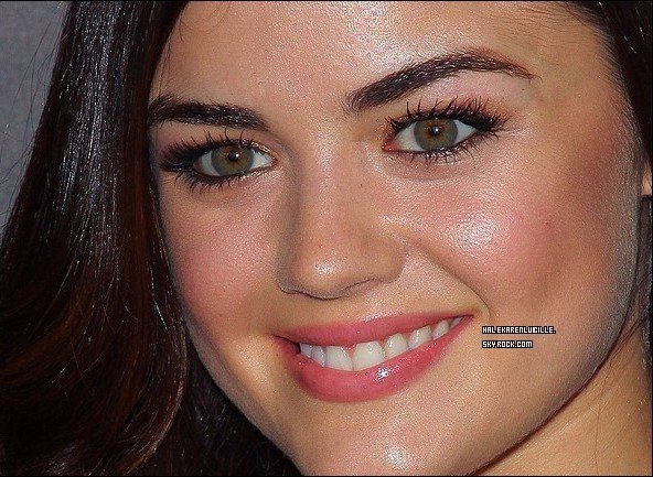 ".   07/11/11  - Lucy étais au   "" TV guide magazine hot list party "" Dans West Hollywood  ."
