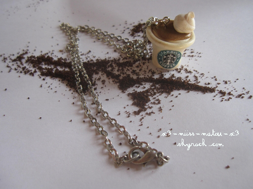 Collier café chantilly