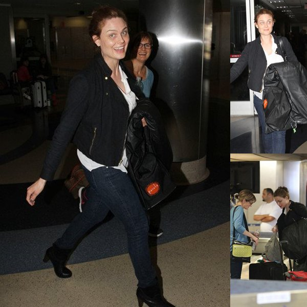 Emily arrivant a l'aeroport de Lax