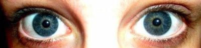 Mes yeux ; ma plus belle particularité ! :P Parole de moi ! :D