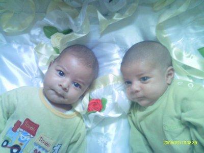 !!..........................les plus beaux bébés au monde med & youcef..............................!!