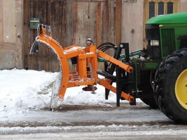 john deere 6810 avec lame a neige