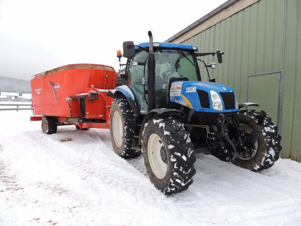 new holland t6060 apre la melangeuse
