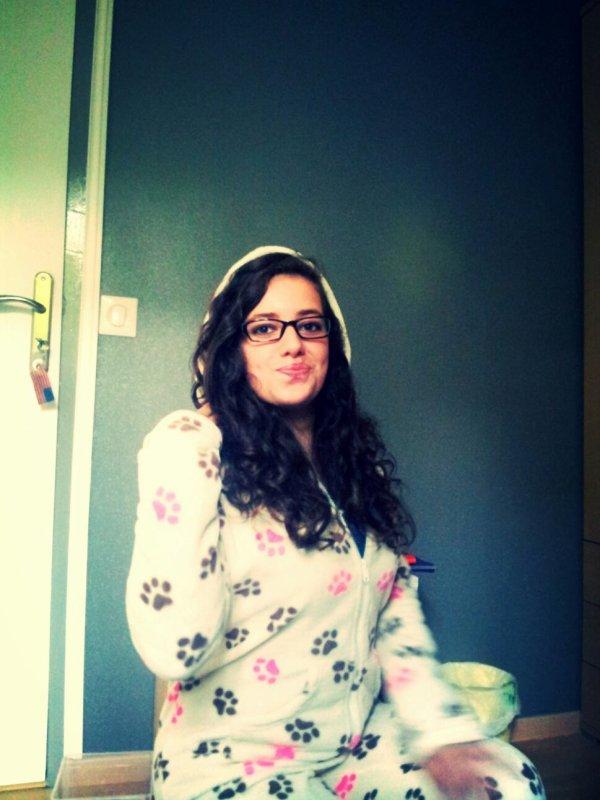 Aprem superbe avc un pyjama trop swagg *_*