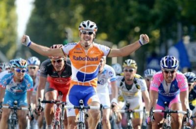 Oscar Freire remporte  Paris-Tours