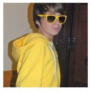 Christian Beadles parle de Selena & Justin sur Twitter !