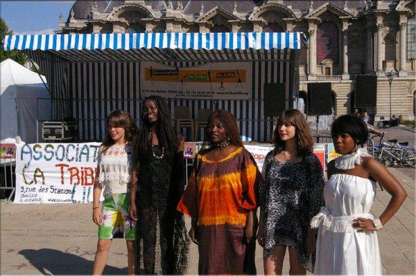 Défilé à la Tribu de Lille - Place de la république - Lille