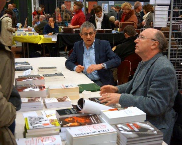 Patrick Denaud avec Roger Faligot au salon du livre