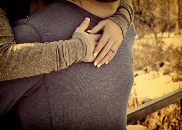 J'aimerai être son sang, pour couler dans ses veines, parcourir son corps, et enfin atteindre son coeur ♥ !