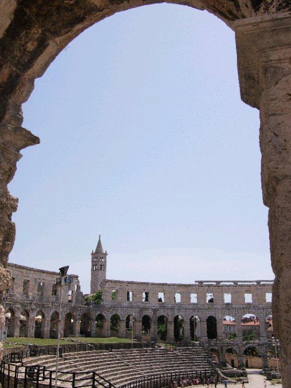 Pula la romaine