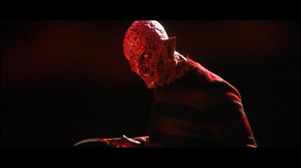 Blood red Sandman ,clien d'oeil a Freddy