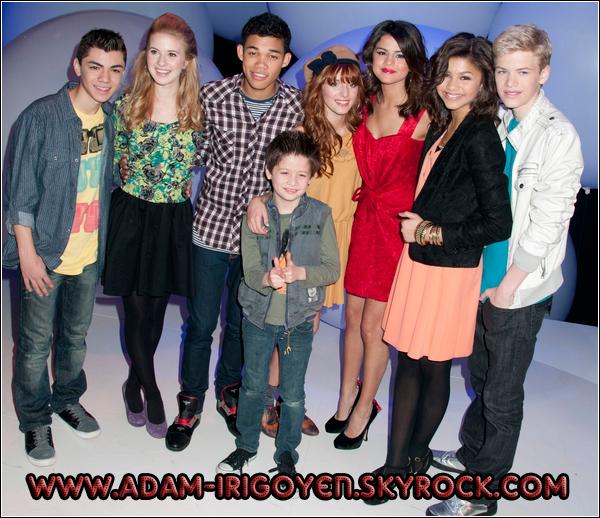 * 19/03/11 : Adam et le casting de SIU en compagnie de Selena Gomez au Disney Kids & Family Upfront*