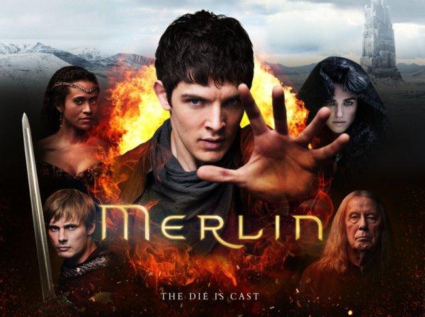 « En un pays de légende, au temps de la magie, le destin d'un grand royaume repose sur les épaules d'un jeune garçon. Son nom : Merlin. » Merlin