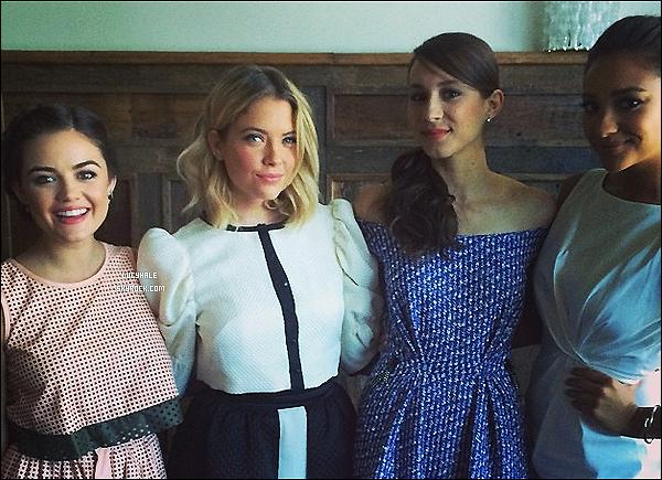 « Trois des plus belles ! Que dieu les préserve. » @lucyhale   De quoi faire taire les rumeurs de dispute entre les 4 actrices..