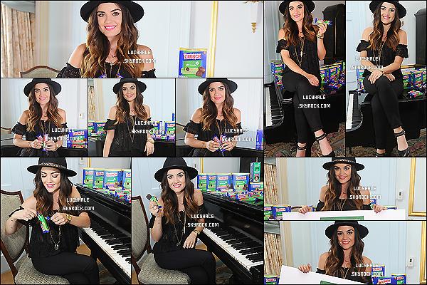30/06/2014 : Notre merveilleuse Lulu H. a ensuite promu la campagne pour la marque Nestle, encore à New. Y. C'est donc dans la même journée que nous retrouvons la chanteuse dans une tenue différente. The hat is back for Lu' !