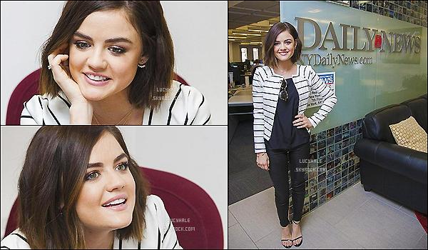 12/05/15 : Après l'émission, la belle brunette est allée au New York Daily News situé dans New York.  La miss a gardé sa jolie tenue. Elle est très souriante, je préfère la voir comme ça car elle n'avait pas l'air au top dernièrement.
