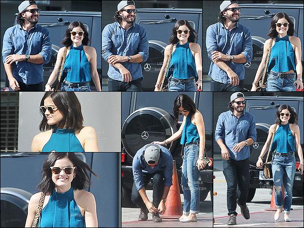 24/10/2015 : Lucy et Anthony, tout souriants, sont allés déjeuner dans un restaurent dans Los Angeles.  Encore une fois, les deux amoureux sont beaux ensemble. Franchement c'est un des meilleurs mecs qu'elle a eu selon moi. De plus, deux tops !