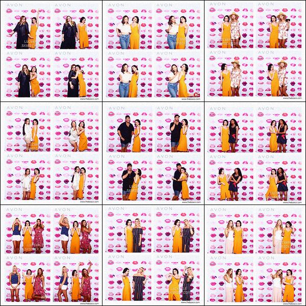 •• Voici un photobooth réalisé lors d'une soirée organisée par la marque - Avon True Color. L'événement s'est déroulé le 13 juillet mais les photos viennent tout juste de sortir sur la toile. Au passage, j'aime beaucoup Lucy dessus ! Vous ?