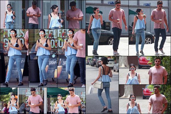 24/07/2017 : Notre Lucy et Anthony ont été repérés alors qu'ils quittaient un des Starbucks de Studio City. Enfin une sortie du couple après de multiples rumeurs de séparation.. Ca fait plaisir de les revoir ensemble. Pour la tenue de Lucy, c'est un beau top !