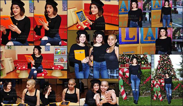 02/12/2017 : Lulu était au Words With Friends 2 Spread Holiday Cheer qui se déroulait à l'hôpital de LA. Une belle action caritative de Noël pour notre brunette préférée. Je la trouve toujours aussi rayonnante et adorable. C'est un beau top, j'aime bien !