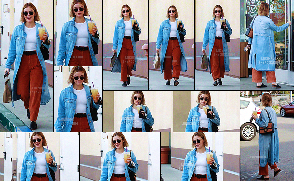 16/12/2018 : Jolie Lucy, tout sourire, a été aperçue après avoir acheté un café  dans les rues de Studio City. Elle est assez active et c'est toujours un plaisir pour nous de la retrouver. Niveau tenue, c'est spécial, pas trop mon style mais ça lui va plutôt bien.