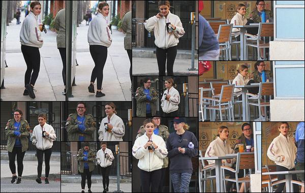 17/02/2019 : Lucy, de retour de son tournage, est allée prendre un café avec des amies, dans Los Angeles. Enfin, c'est le retour de ma petite miss sourire ! Quel plaisir de la retrouver après un mois sans candid. Le tournage de Fantasy Island est donc terminé.