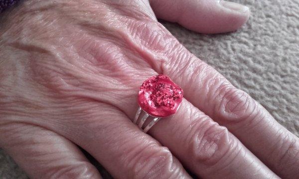 bague  forme rose avec brillant