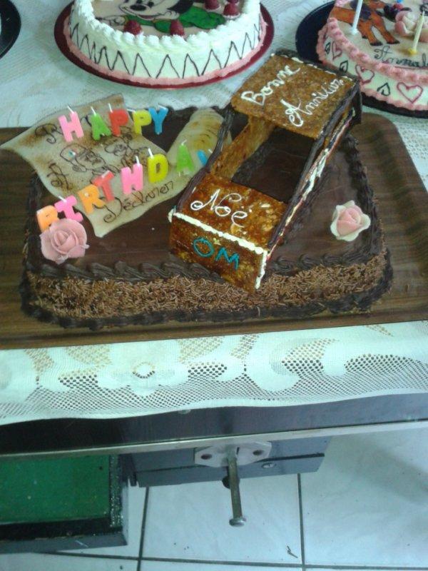 Gâteaux Choco Poir Avec Voiture En Caramel Et Amande Haché