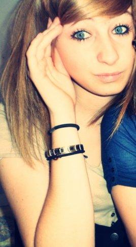 Laurinouu, tu es mon amour de soeur . Ma vie mon sourire au qautidien.