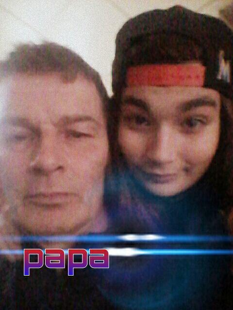 Mon papa et moi le seule homme qui ma jamais brisée le coeut je t'aime