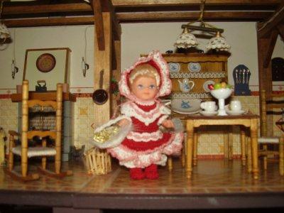 une robe pour petite poupée