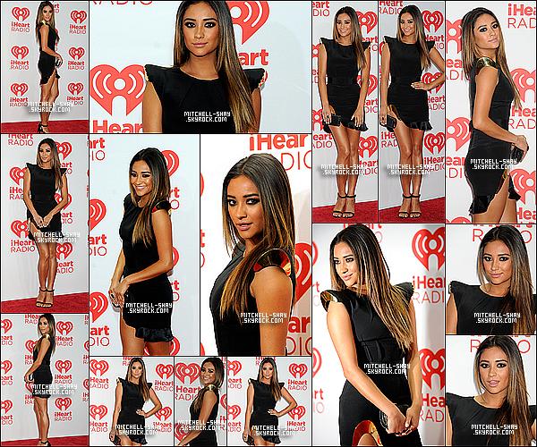 21/09/13 : Shay  était présente au IHeartRadio Music Festival press room a Las Vegas.