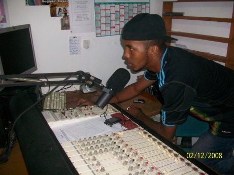 L'animateur de la radio